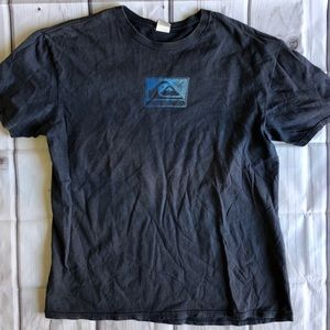 Quiksilver men's T-shirt large GUC
